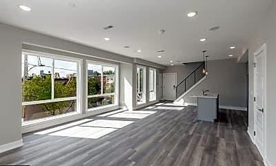 Living Room, 2401 N Mascher St 4, 1