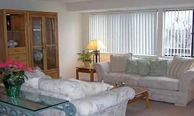 Living Room, Willow Pond Apartments, 1