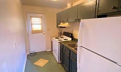 Kitchen, 140 W Palmer Ave, 1