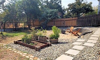Patio / Deck, 2955 Shasta St, 2
