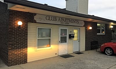 Club Apartments, 1