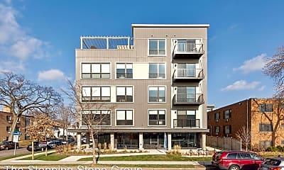 Building, 401 University Avenue SE, 1