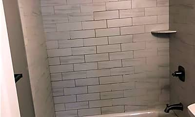 Bathroom, 195 Main St 4, 2