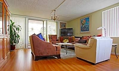 Living Room, 303 N Jackson Avenue, 1