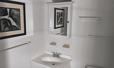 Bathroom, 34 Dickie Ave, 2