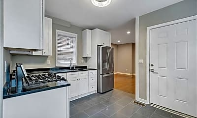 Kitchen, 597 Chapel St 1R, 0