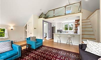 Living Room, 141 Geer Mountain Rd, 2
