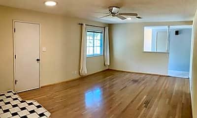 Living Room, 1331 Conejo Way, 2