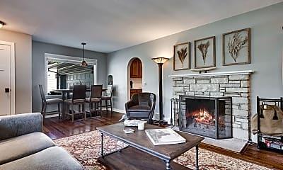Living Room, 3701 Elmwood Pl, 1