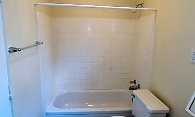 Bathroom, 708 Forest Hill Dr 7-08, 2