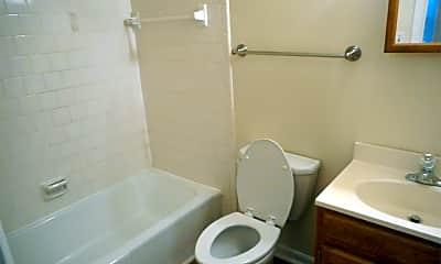 Bathroom, 903 Quarry Rd, 2