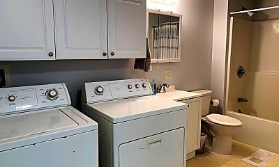 Bathroom, 52 Wildbrook Ln, 2