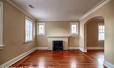 Living Room, 7034 Dartmouth Ave, 1