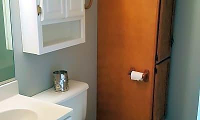Bathroom, 1546 Diuguid Dr, 2