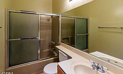 Bathroom, 617 Alexander St, 2
