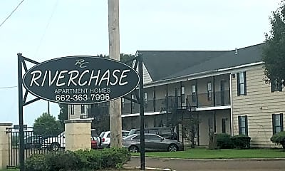 Riverchase Apartments, 1