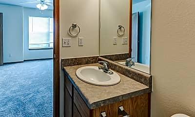Bathroom, Pleasant Woods Townhomes, 2