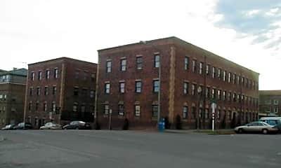Landmark Court, 1