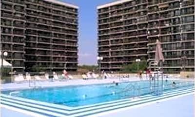 Pool, 150-38 Union Tpke 2G, 1