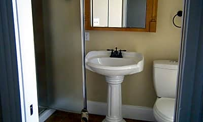 Bathroom, 422 London St 2, 1