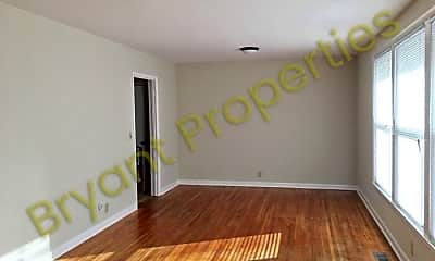 Living Room, 915 Potter Ln, 1
