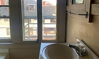 Bathroom, 80 Huntington Park, 2