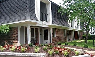 Building, Parkwood Place Apartments, 0