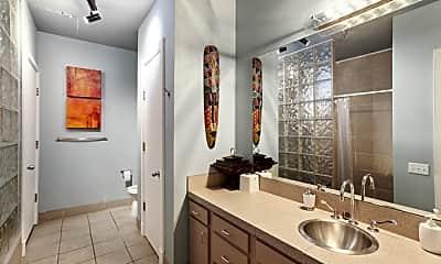 Bathroom, 441 Gravier St, 2
