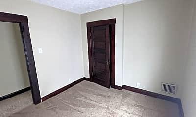Bedroom, 426 E Gates St, 2