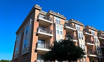 Ten 05 W Trade Apartments, 0