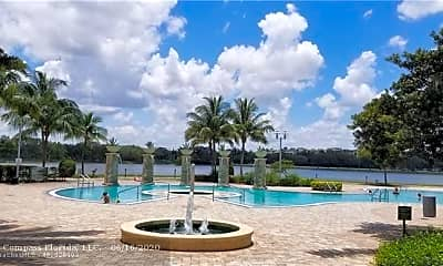 Pool, 2641 N Flamingo Rd 2103N, 2