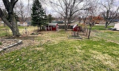 Playground, 5300 W Zeamer St, 1