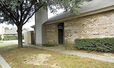 Building, 5152 Blair Ln, 2