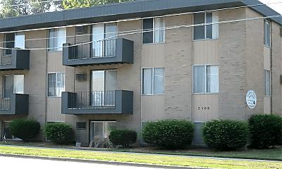 Building, 2500 E Saginaw St, 0