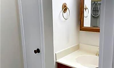 Bathroom, 1407 Carrollton Ave, 2