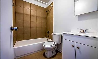 Bathroom, 320 N Mason Ave, 2