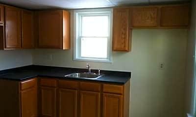 Kitchen, 631 Pen Argyl St 6, 1