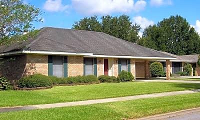 Building, 113 Dove Cir, 0