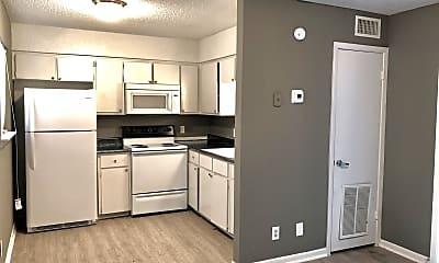 Kitchen, 420 N Gilmer St Apt 6, 1