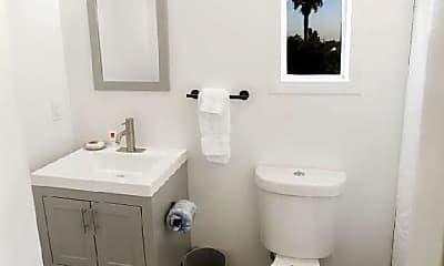 Bathroom, 1520 Tyler Ave, 0