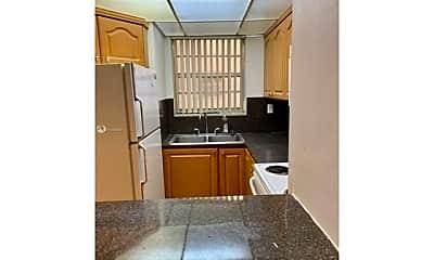 Kitchen, 8810 Fontainebleau Blvd, 0