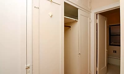 Bedroom, 315 W Oak St, 2