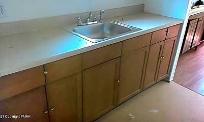 Kitchen, 138 Parish Ln, 1