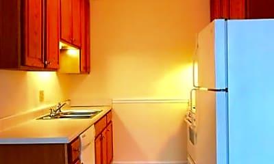 Kitchen, Creekside Apartments, 1