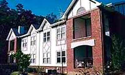 Morgan Manor, 0
