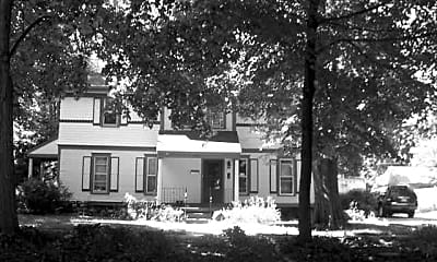 605 W Washington St, 2
