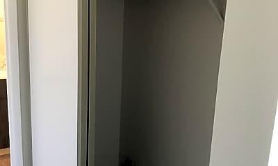 Bathroom, 807 Delta Way, 2