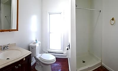 Bathroom, 611 W 1st St, 2