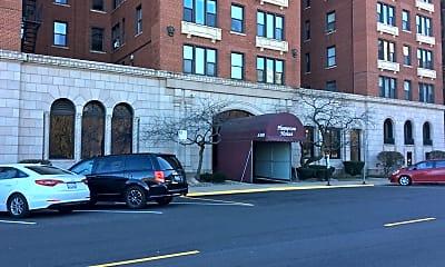 Building, 5300 S Shore Dr 76, 2