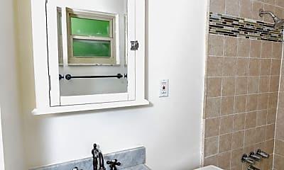 Bathroom, 937 Highland Ave, 2